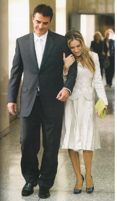 novias con traje chaqueta. carrie bradshaw