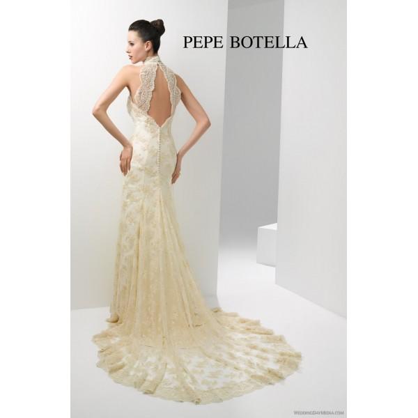 Vestido de novia dorado con blanco